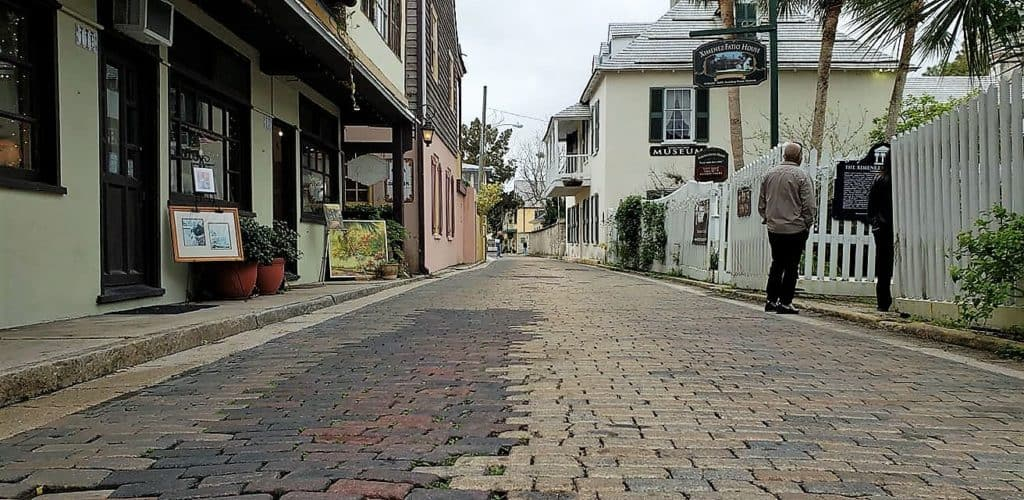 Love and Art Meet In Romantic St. Augustine