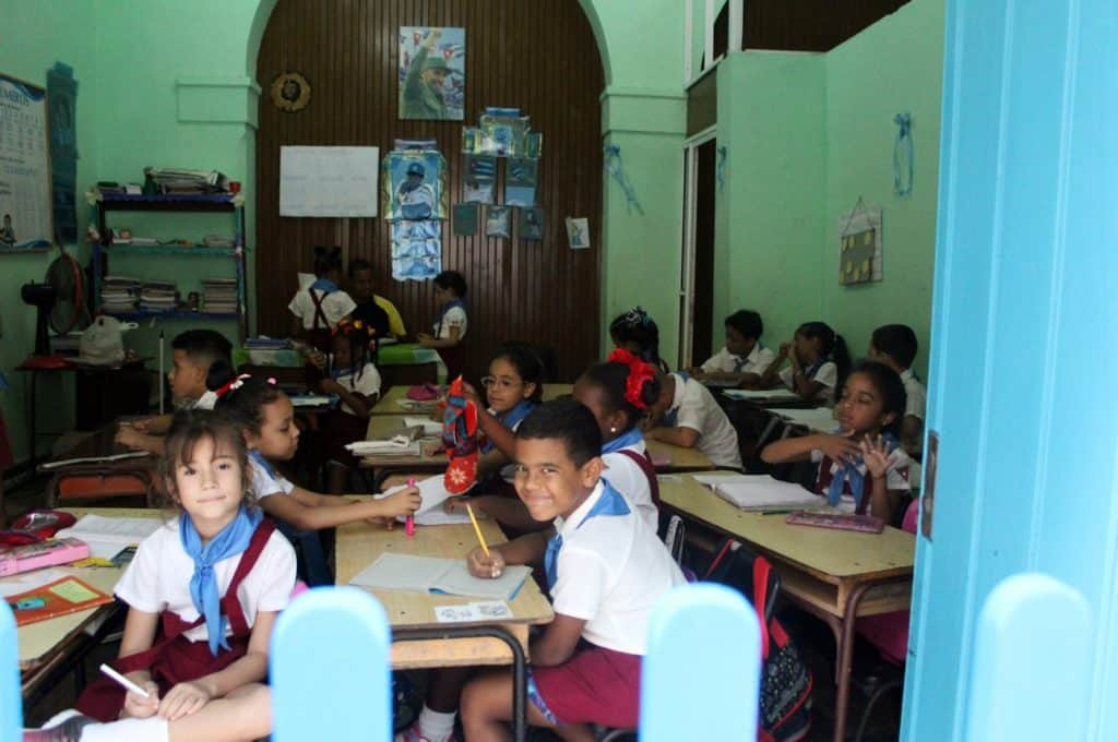 Children in school, Old Havana